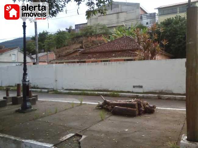 Casa - Aluguel:  PRAÇA CRUZEIRO, Rio Bonito - RJ